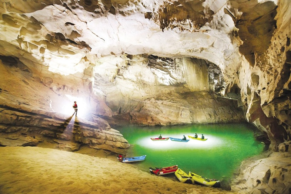Image result for Động Phong Nha